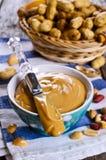 белизна арахиса масла падения масла предпосылки стилизованная Стоковые Фото