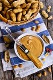 белизна арахиса масла падения масла предпосылки стилизованная Стоковые Изображения