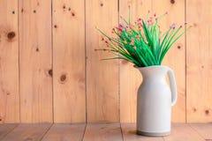 Белизна вазы цветка Стоковая Фотография RF