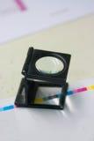 белизна вектора предпосылки стеклянной изолированная иллюстрацией увеличивая Стоковые Фотографии RF