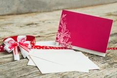 белизна венчания вектора приглашения чертежей карточки предпосылки Стоковые Фотографии RF