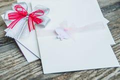 белизна венчания вектора приглашения чертежей карточки предпосылки Стоковая Фотография RF
