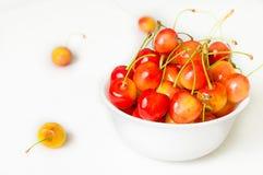 белизна вишни предпосылки легко извлеченная изолированная Сельское хозяйство Конец-вверх Взгляд сверху Стоковая Фотография RF