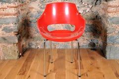 белизна вопроса офиса стула предпосылки изолированная мебелью Стоковые Изображения