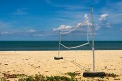 белизна волейбола предпосылки изолированная пляжем Стоковые Изображения