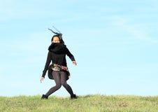 белизна девушки летания предпосылки изолированная волосами Стоковые Фото