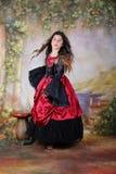 белизна девушки танцы изолированная Стоковое Изображение RF