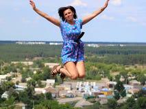 белизна летания изолированная девушкой стоковая фотография rf