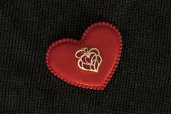 белизна золота изолированная сердцем Стоковые Изображения RF