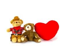 белизна игрушечного медведя предпосылки сердце принципиальной схемы над белизной Валентайн красного цвета розовой Стоковые Фотографии RF