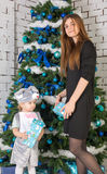 белизна изоляции подарков рождества Стоковое Изображение RF