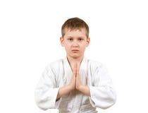 белизна кимоно карате бой мальчика Стоковая Фотография RF