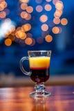 белизна кофе коктеила предпосылки изолированная мороженым Стоковые Фото