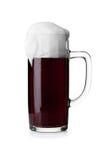 белизна кружки предпосылки изолированная пивом Стоковое Изображение