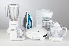 белизна кухни иллюстрации предпосылки приборов Стоковое Изображение RF