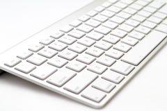 белизна клавиатуры фронта фокуса поля глубины отмелая Стоковые Фото