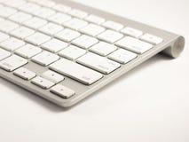 белизна клавиатуры фронта фокуса поля глубины отмелая Стоковое фото RF