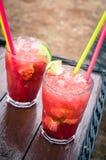 белизна клубники коктеила предпосылки изолированная льдом Стоковое Изображение RF