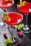 белизна клубники маргариты предпосылки спирта стоковые фото