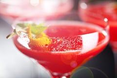 белизна клубники маргариты предпосылки спирта стоковое изображение rf
