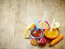 белизна макарон еды предпосылки младенца сырцовая Стоковое Фото