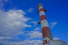 белизна маяка красная Стоковое фото RF