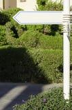 Белизна направления указателя outdoors Стоковое Изображение