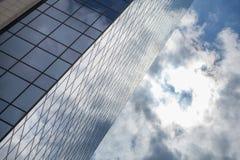 белизна офиса части здания предпосылки изолированная стеклом Стоковая Фотография RF