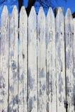 белизна пикетчика загородки старая Стоковое Изображение RF