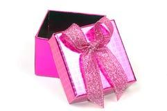 белизна подарка коробки предпосылки Стоковое фото RF
