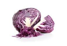 белизна предпосылки изолированная капустой пурпуровая стоковые фото