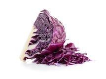 белизна предпосылки изолированная капустой пурпуровая стоковые изображения