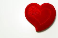 белизна предпосылки изолированная сердцем красная Стоковая Фотография