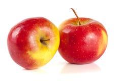 белизна предпосылки яблок свежая изолированная красная Стоковое фото RF