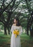 Белизна платья женщины Стоковые Изображения