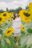 Белизна платья женщины Стоковые Фото