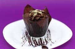 белизна плиты булочки шоколада Стоковое Изображение RF