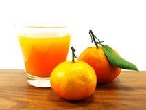 белизна сока свежих фруктов коктеила предпосылки померанцовая Стоковое Изображение