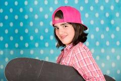 белизна студии скейтборда съемки девушки предпосылки подростковая Стоковые Фото