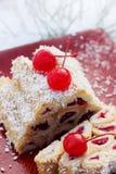белизна текста образца торта backgound изолированная вишней Стоковое Изображение