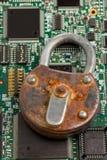 белизна технологии безопасности брандмауэра принципиальной схемы изолированная информацией Стоковое фото RF