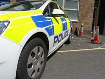 белизна типа полиций cartoonish автомобиля изолированная изображением Стоковое Изображение RF