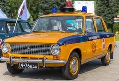 белизна типа полиций cartoonish автомобиля изолированная изображением Стоковое Изображение