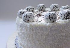 белизна торта предпосылки изолированная серым цветом Стоковое Изображение