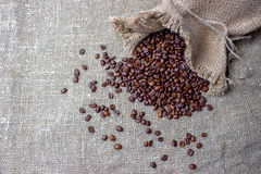 белизна фасолей мешка предпосылки изолированная кофе Стоковые Фото