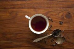белизна чая предпосылки изолированная чашкой Стоковое Изображение