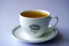 белизна чая предпосылки изолированная чашкой Стоковые Изображения