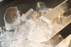белизна льда кубика предпосылки Стоковые Фото