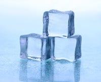 белизна льда кубика предпосылки Стоковое Изображение RF