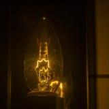 белизна электрического света шарика предпосылки Стоковая Фотография RF